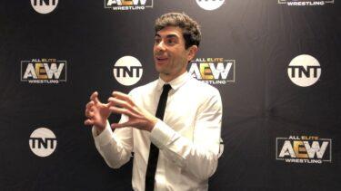 """Tony Khan parle de vouloir un """"esprit de compétition"""" entre la WWE et l'AEW"""